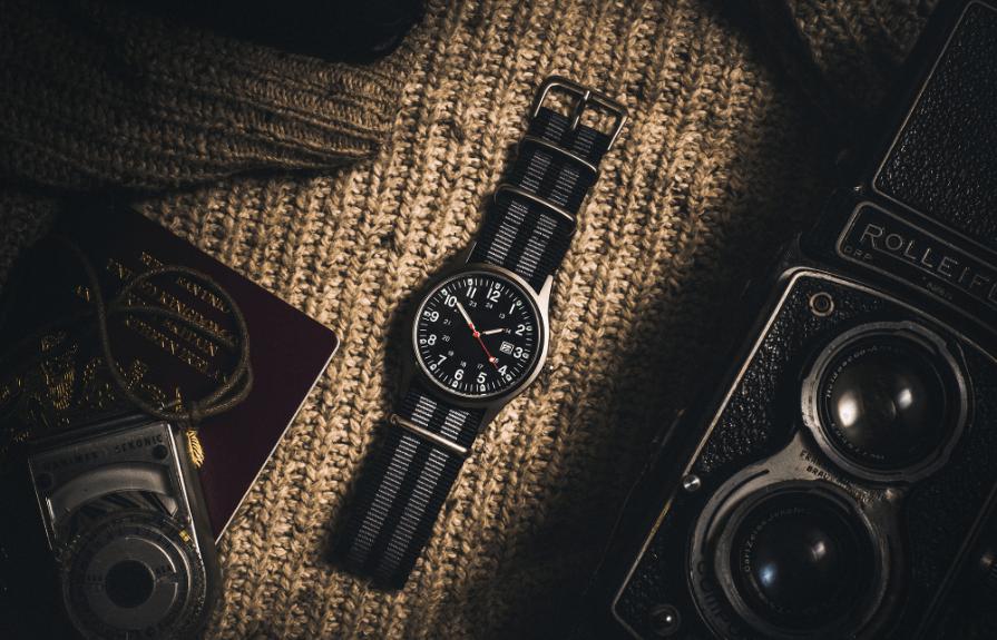 世界のブランド品はもちろんマニアックな時計、超レアものなど他店にはない品揃えがビッグムーンの自慢です。